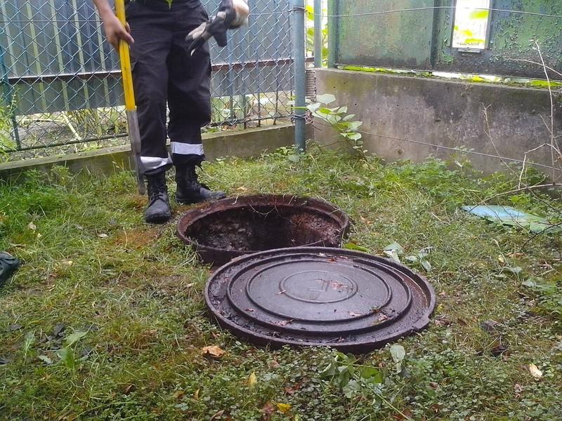 У Виноградові в каналізаційній ямі знайшли труп
