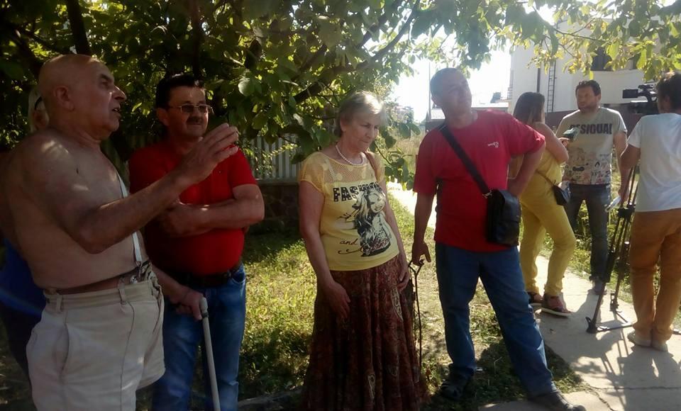 """Атовці  """"Об'єднані землею"""" віджимають зелену зону в Ужгородців (відео)"""