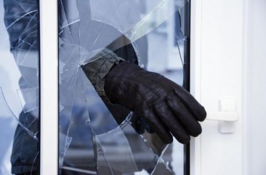 Поліція затримала злодія, який обікрав три церкви на Виноградівщині і переховувався від слідства