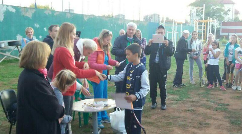 Зірка світового тенісу вручила нагороди юним закарпатцям