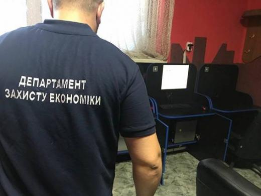 Правоохоронці викрили в Мукачеві п'ять гральних закладів (ФОТО)