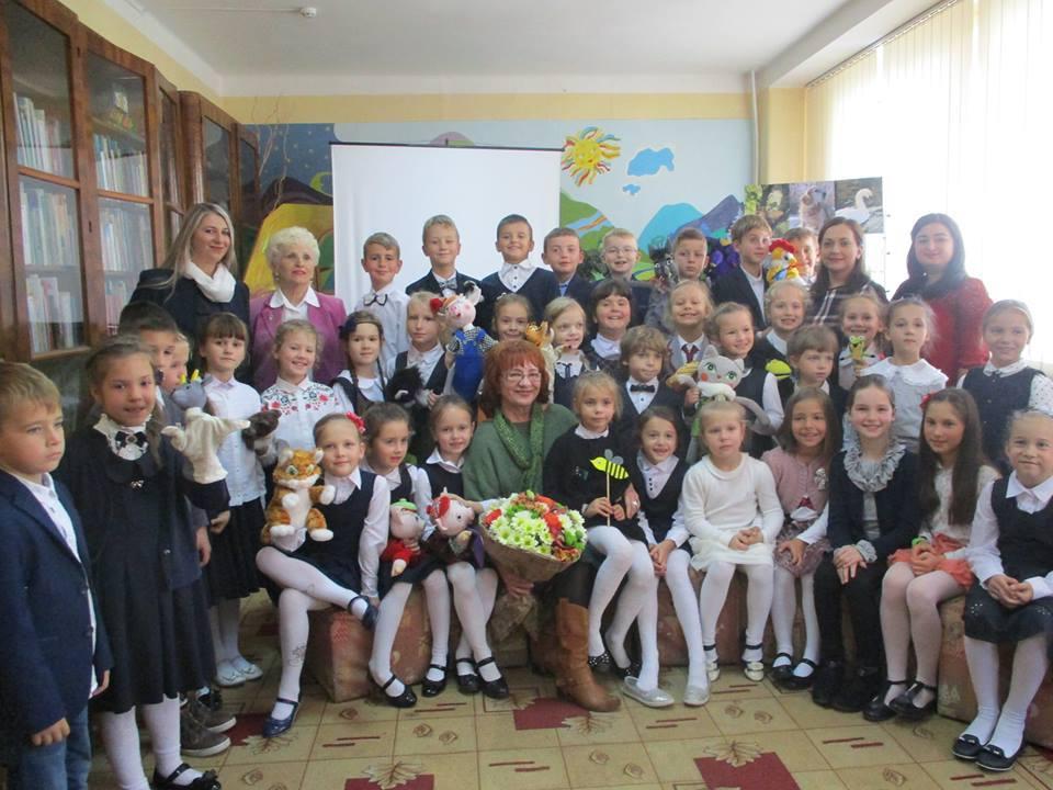 В Ужгороді презентували унікальне видання для дітей «Театр ляльок» (фото)