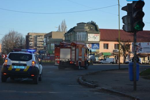 В Ужгороді та Мукачеві перевірили, як водії реагують на спецавтомобілі