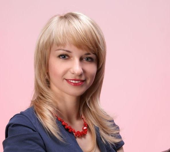 Наталія Шетеля перемогла з великим відривом на виборах директора Ужгородського коледжу культури і мистецтв