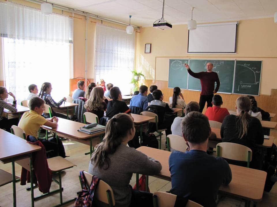 Як саєнтологи проникають до системи освіти Мукачева (відео)