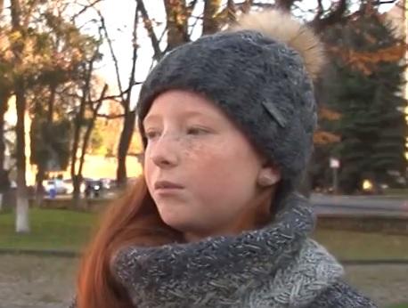 В Ужгородській маршрутці-душогубці втратила свідомість 10-річна школярка (відео)
