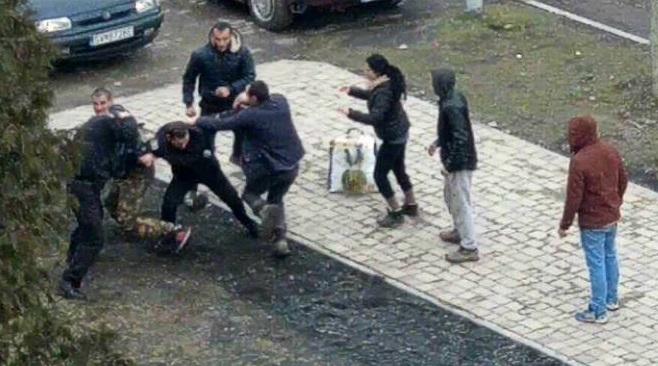 Поліція Великоберезнянщини розпочала кримінальне провадження за фактом нападу циган на правоохоронця