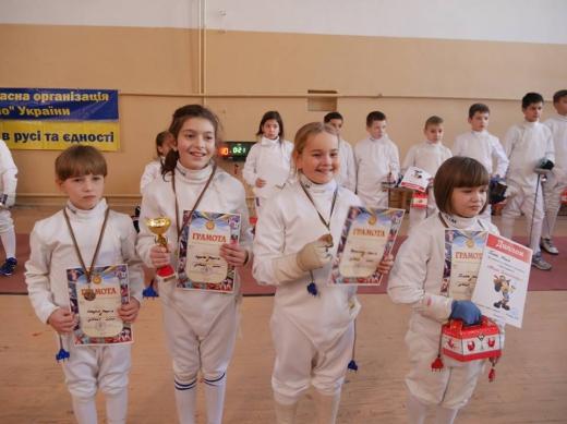В Ужгороді розпочався міжнародний турнір з фехтування «Кубок Діда Мороза»