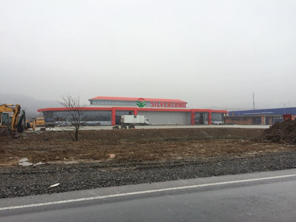 """Вартість """"бюджетної"""" дороги до родинного супермаркету Балог в Мукачеві зросла до 21 мільйону гривень (відео)"""
