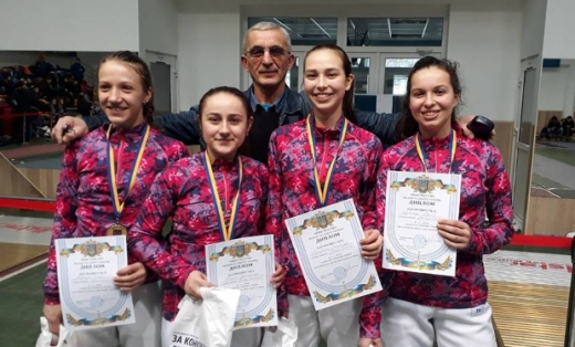 Фехтувальниці з Ужгорода вибороли золото на всеукраїнських змаганнях
