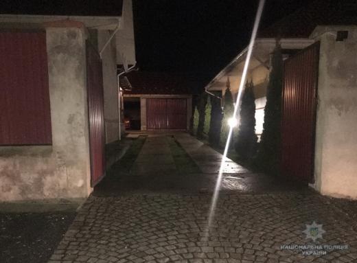Вночі в Ужгороді стався вибух у дворі приватного будинку
