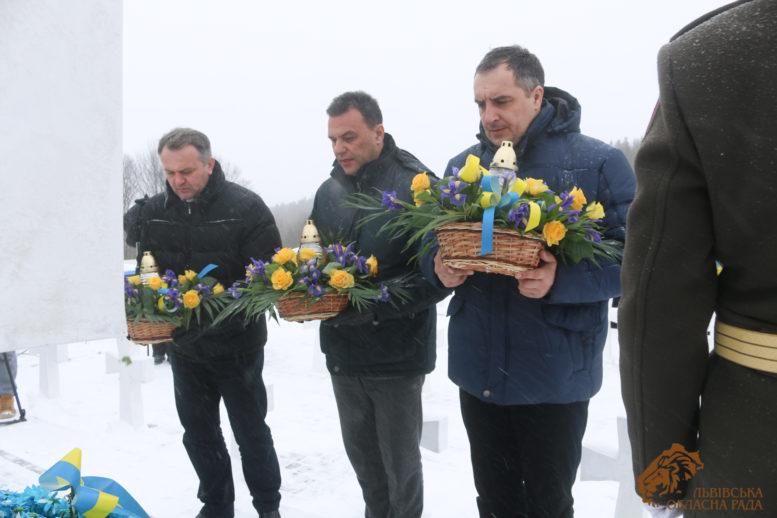 Закарпатці віддали шану полеглим січовикам Карпатської України на Верецькому перевалі (фото)