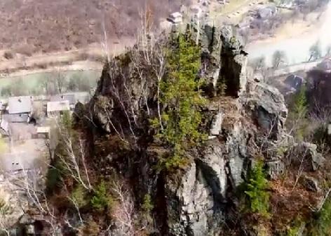 На Рахівщині новий туристичний бренд – скелі-стрімчаки (відео)