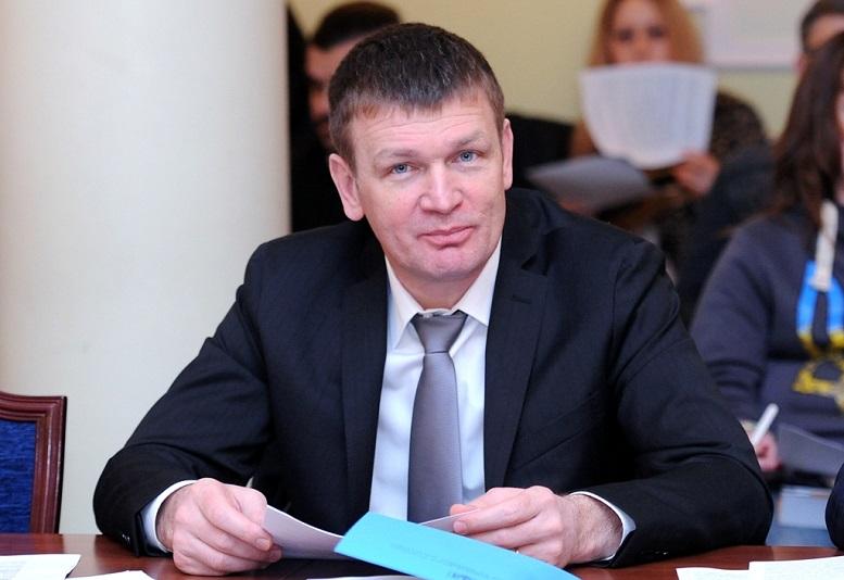 Ужгородський нардеп запропонував Уряду спосіб пришвидшити розвиток інфраструктури для електромобілів