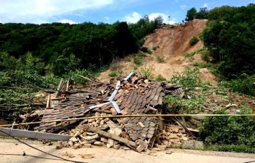 На Мукачівщині залишається небезпека повторного зсуву ґрунту