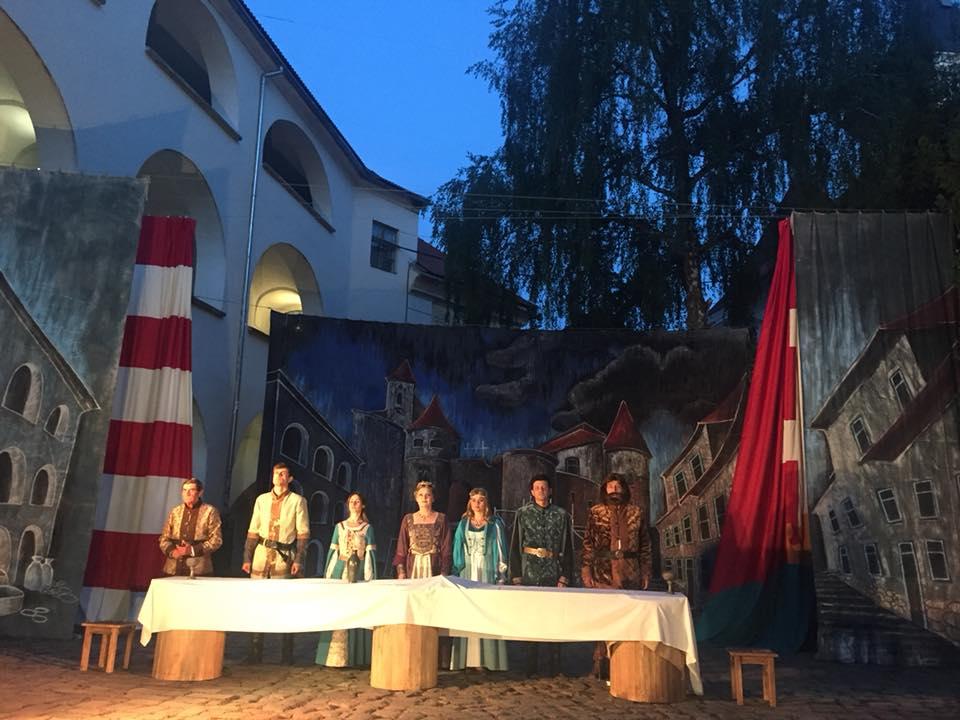 """У неділю в замку """"Паланок"""" відбудуться ремісничі майстер-класи та театральні вистави"""