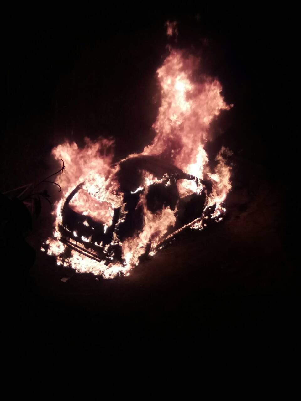 В Ужгороді спалили автівку прокурора (відео)