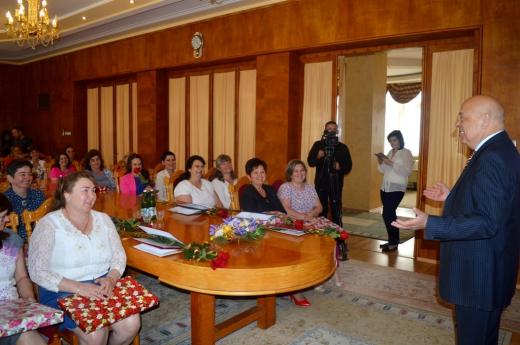 У Закарпатській ОДА привітали багатодітних матерів