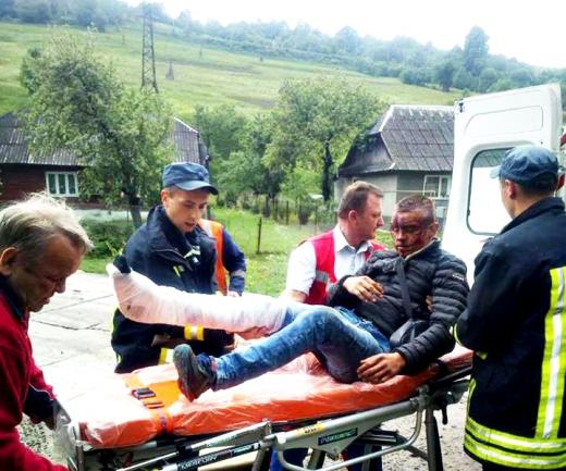 На Воловеччині 19-річний хлопець випав з потяга (ФОТО)