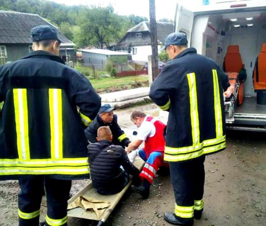 Хлопець, який вистрибнув з потяга на Воловеччині, виявився кишеньковим злодієм