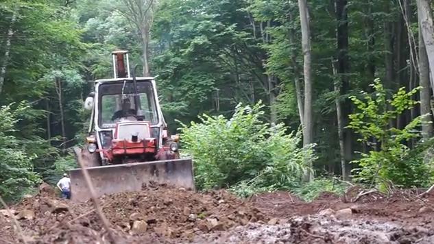 Лісівники Ужгородщини відновлюють дорогу до Маковиці