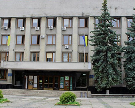 Ужгородські депутати відмовилися збільшити заробітну плату міському голові