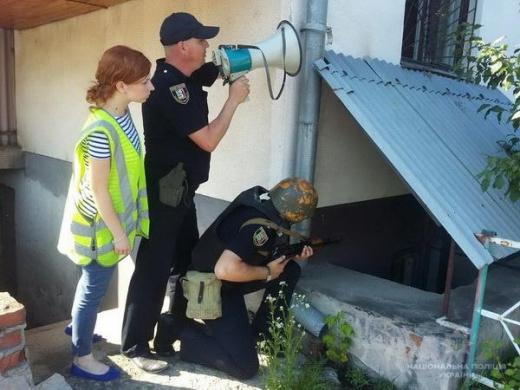 В Ужгороді поліцейські тренувалися затримувати грабіжників