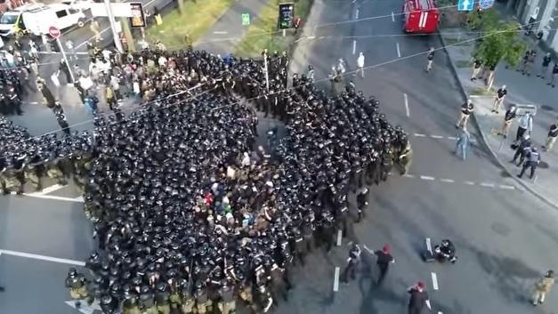 Марш поліцейського свавілля (ВІДЕО)