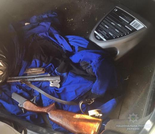 В Перечині у порушника ПДР патрульні знайшли незареєстровану зброю