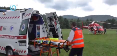"""Гірські рятувальники """"оживили"""" дідуся, який впав з черешні на території біосферного резервату """"Східні Карпати"""" (відео)"""