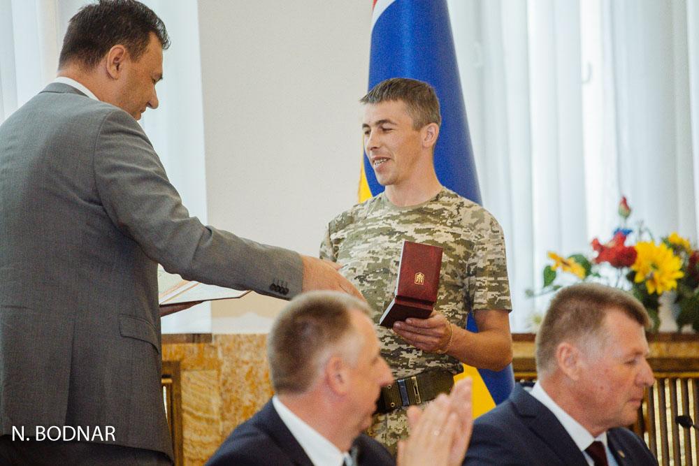 Депутати Закарпатської облради визнали бійців добровольчих батальйонів учасниками бойових дій