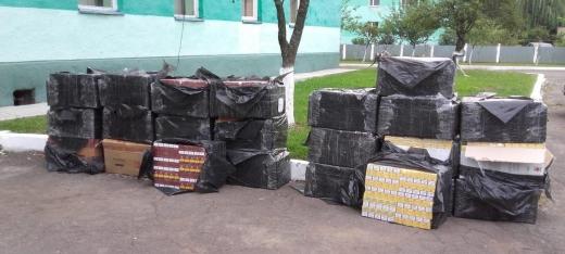 Закарпатські прикордонники завадили контрабандистам перемістити до Румунії 18 тисяч пачок сигарет