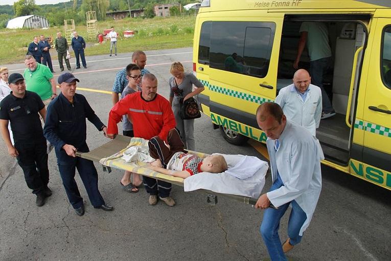 Сина закарпатського атовця доправили літаком до до національної лікарні «Охматдид» (фото)