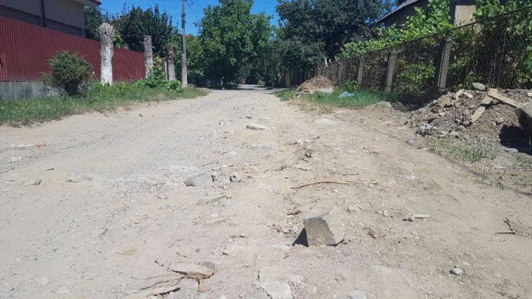 Мешканці ужгородських вулиць Фучика та Декабристів благають про капітальний ремонт