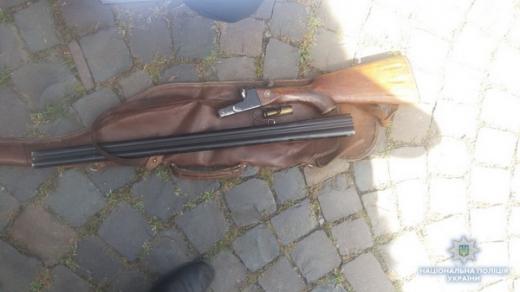 Мешканець Мукачева стріляв на вулиці з мисливської рушниці