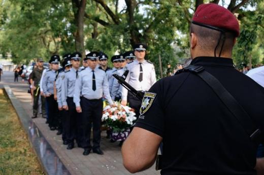 В Ужгороді вшанували пам'ять загиблих правоохоронців (ФОТО)
