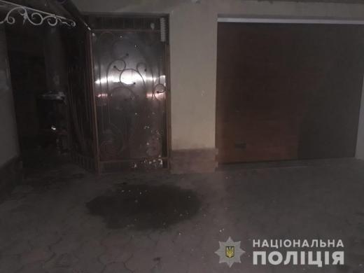 На світанку у двір мешканця Тячівщини підкинули вибуховий пристрій