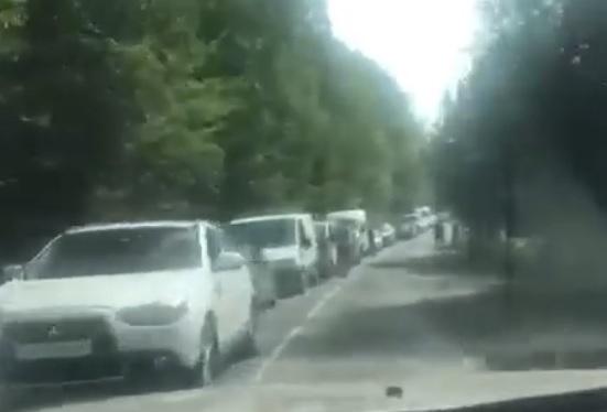 На Закарпатських пунктах пропусках спостерігається значне накопичення автівок