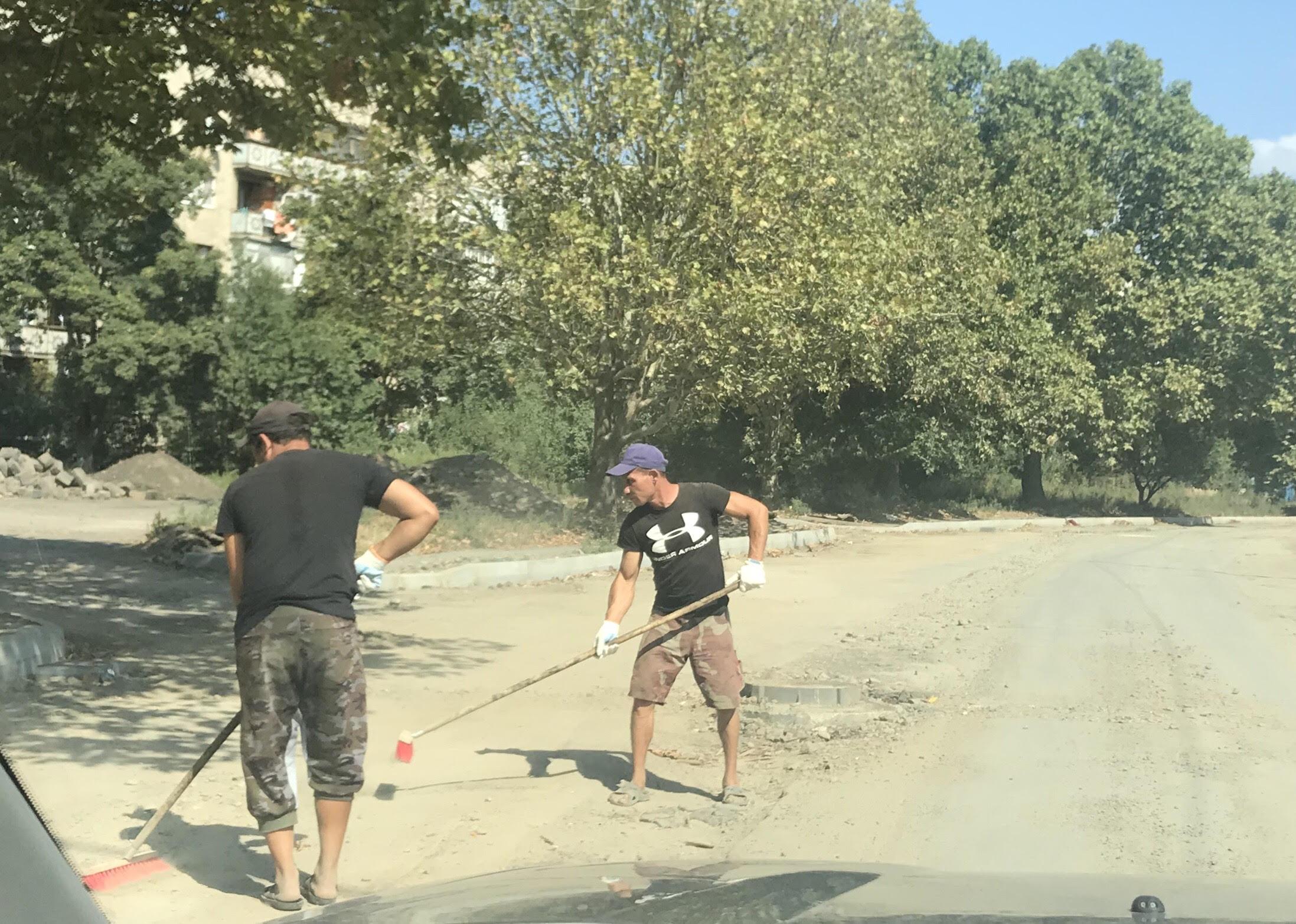 Влада Ужгорода не поспішає асфальтувати вулицю Шумну (відео)