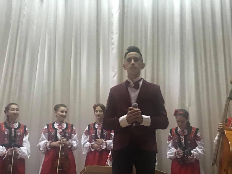 В Ужгородському коледжі культури і мистецтв душевно відзначили Дні музики та літніх людей (відео)