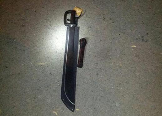 Ужгородські патрульні затримали двох юнаків, що розгулювали з мачете