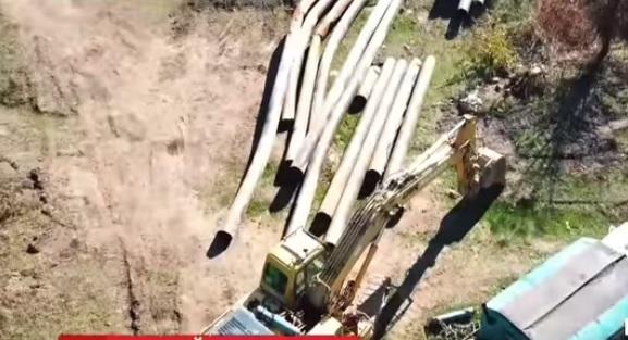 На Закарпатті рубають радянський нафтопровід (відео)