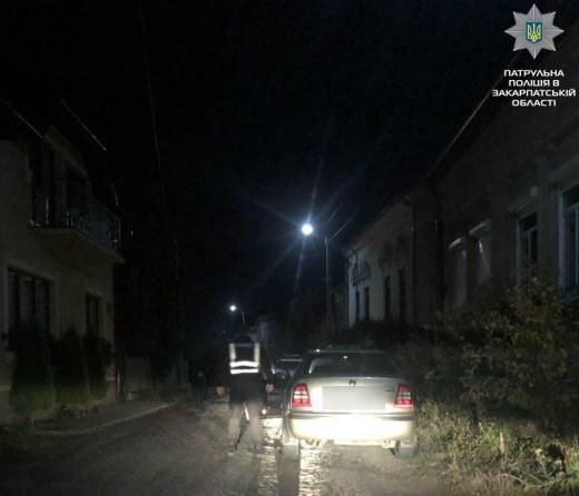 Уночі в Ужгороді патрульні зупинили двох п'яних водіїв