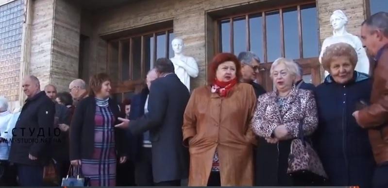 Профспілки з будинку на Народній в Ужгороді втретє намагалися виселити (відео)