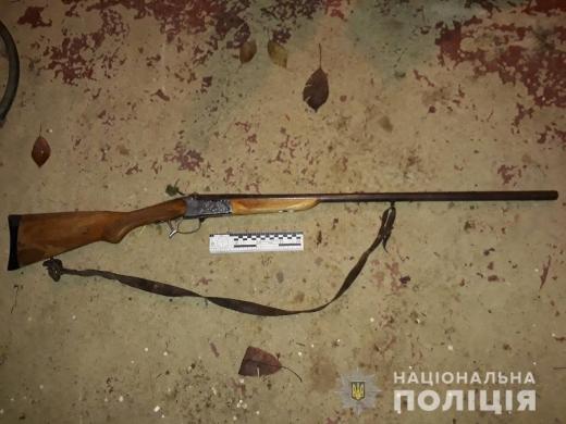 Стріляв у собаку, а поцілив у сестру дружини – поліція затримала підозрюваного у вбивстві на Ужгородщині