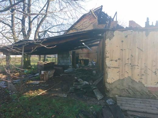 На Тячівщині внаслідок пожежі чоловік отримав важкі опіки
