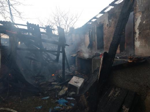 На місці пожежі закарпатські рятувальники виявили тіло людини