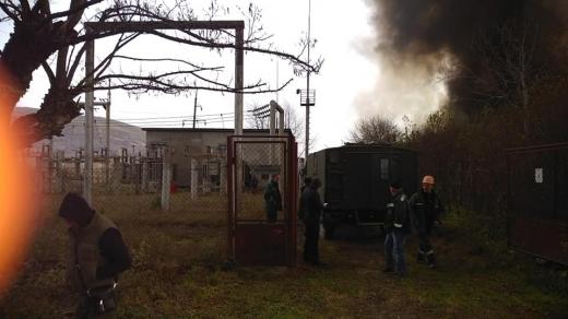 На Закарпатті горять склади біля електропідстанції (ФОТО)
