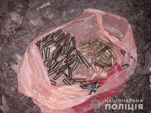 В Мукачеві та Ужгороді поліція затримала торговців боєприпасами
