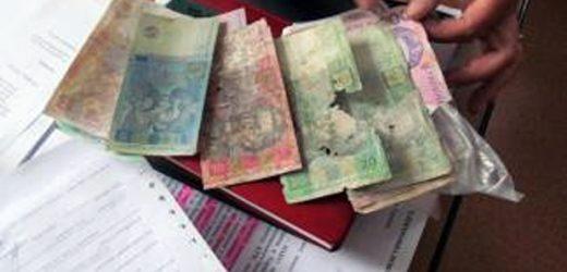На Закарпатті пошкоджені купюри прийматимуть три банки